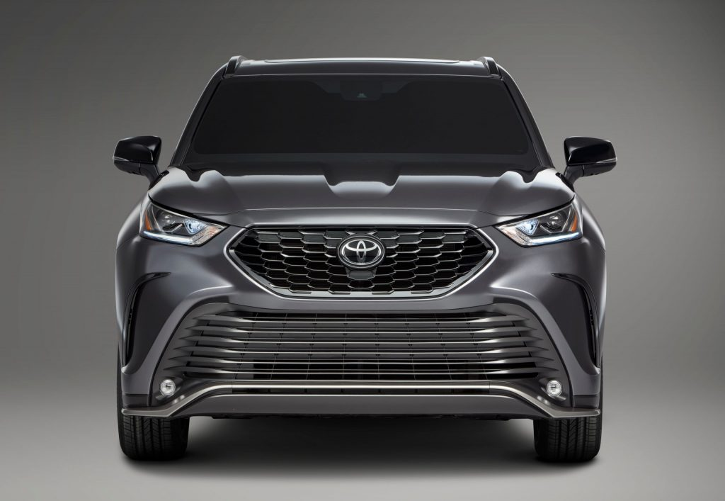 2021 Toyota Highlander XSE front