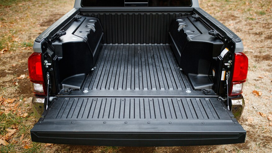 pickup truck bed with composite liner