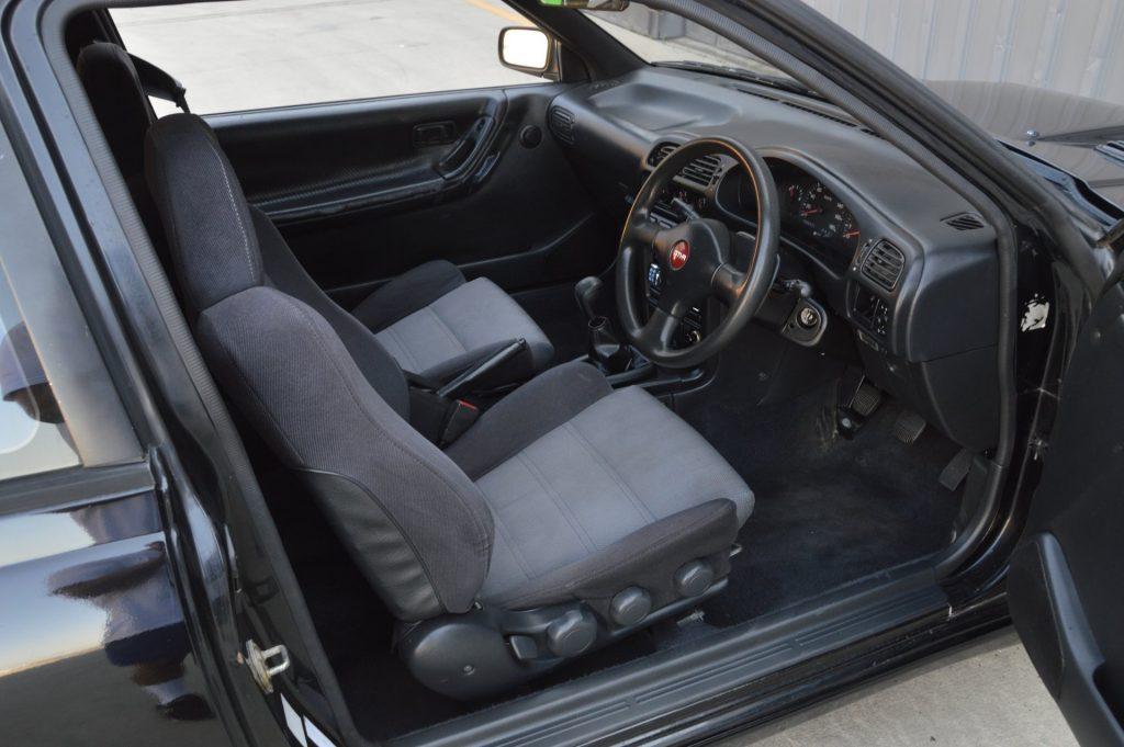 1990 Nissan Pulsar GTi-R interior