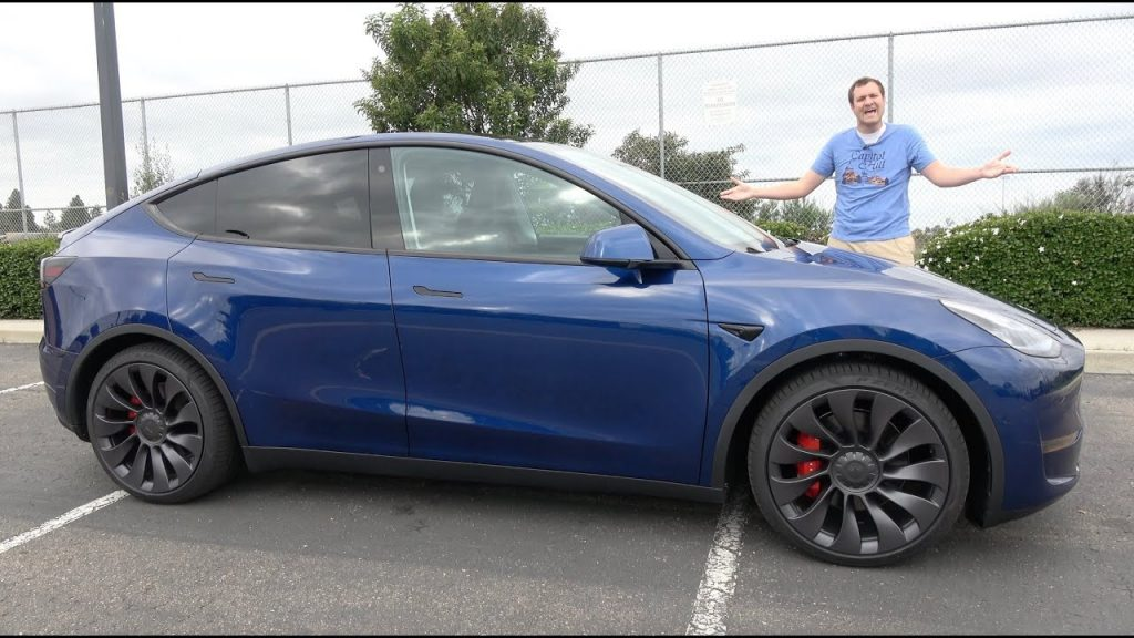 2020 Tesla Model Y AWD Performance side