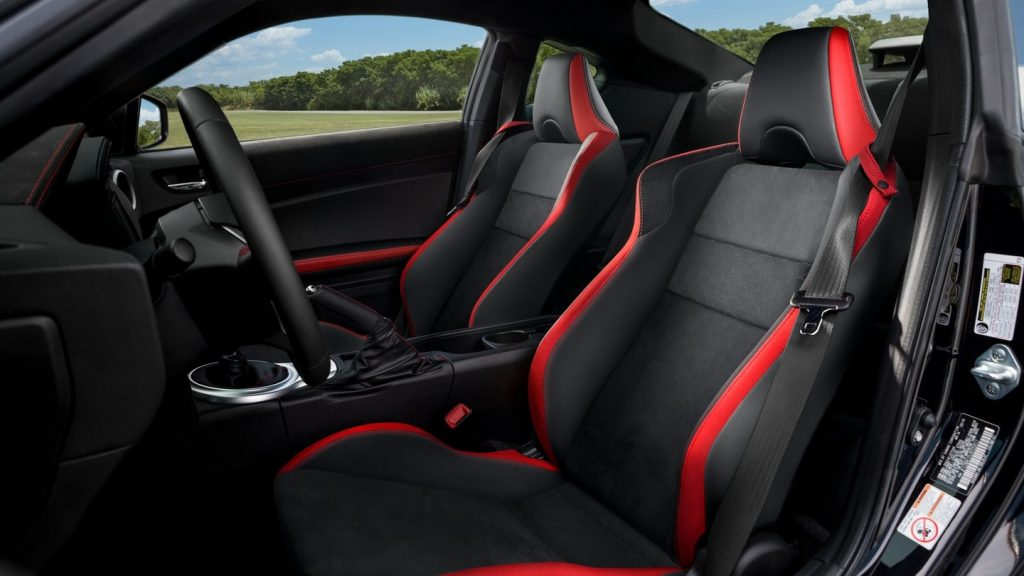 2020 Toyota 86 GT seats