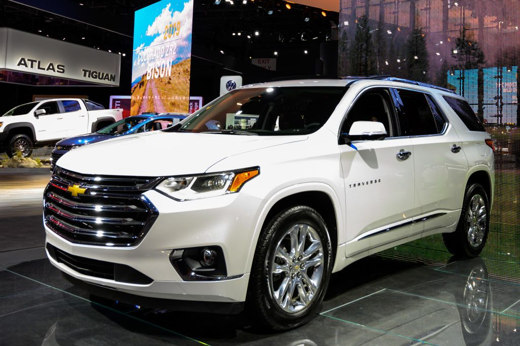 is the ford edge or chevy traverse the better suv is the ford edge or chevy traverse the