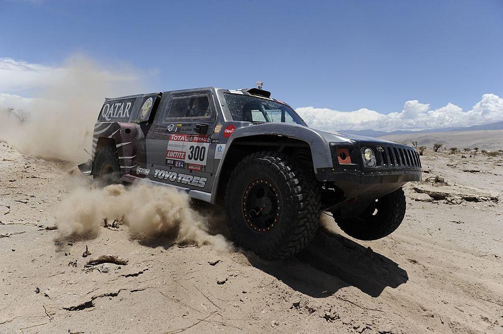 Hummer Off-Roading