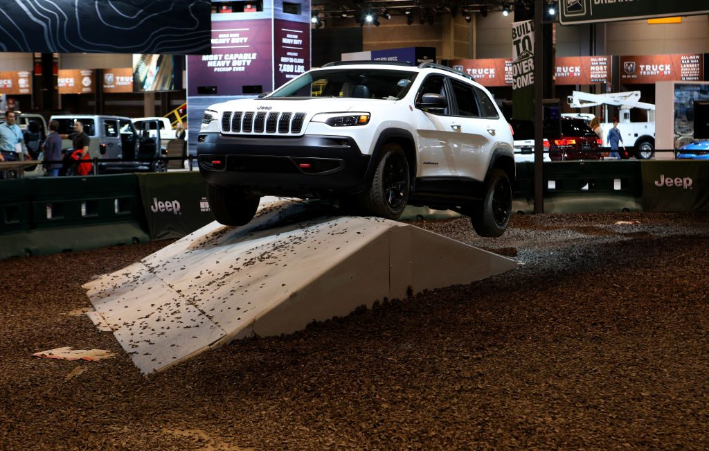 2019 Jeep Cherokee off-roading at autoshow