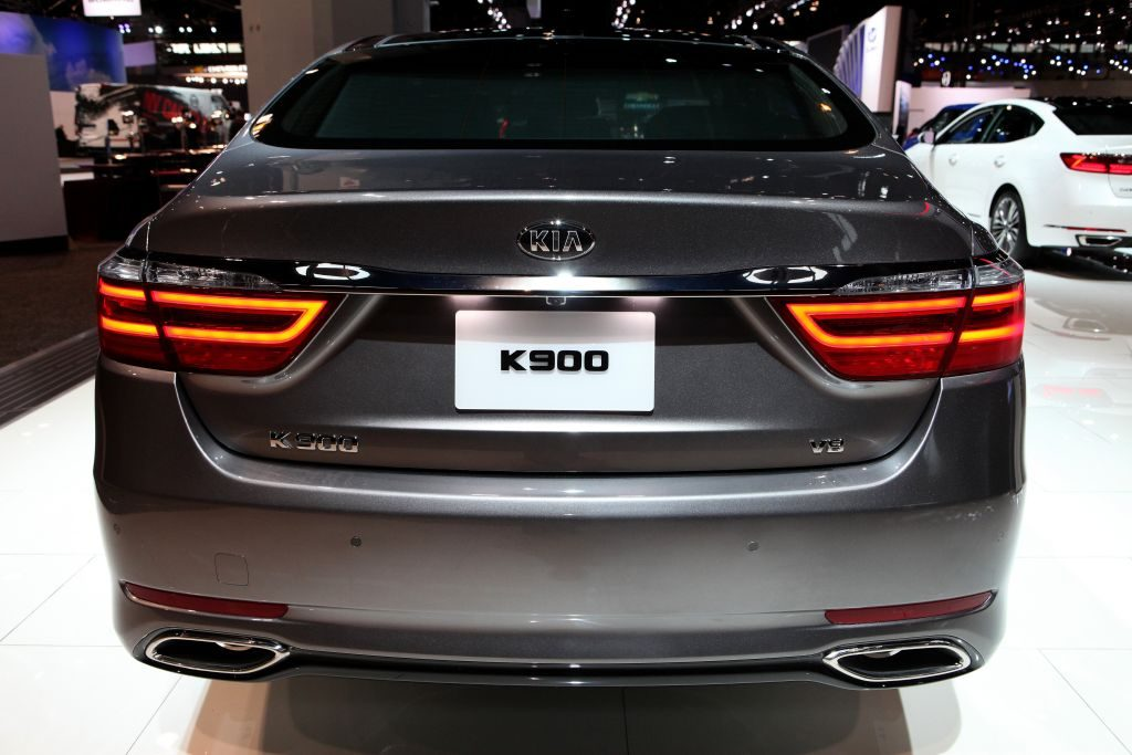2017 Kia K900 is on display at the 109th Annual Chicago Auto Show