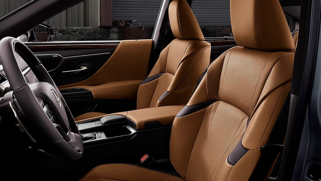 The ES offers a spacious and sophisticated car cabin.