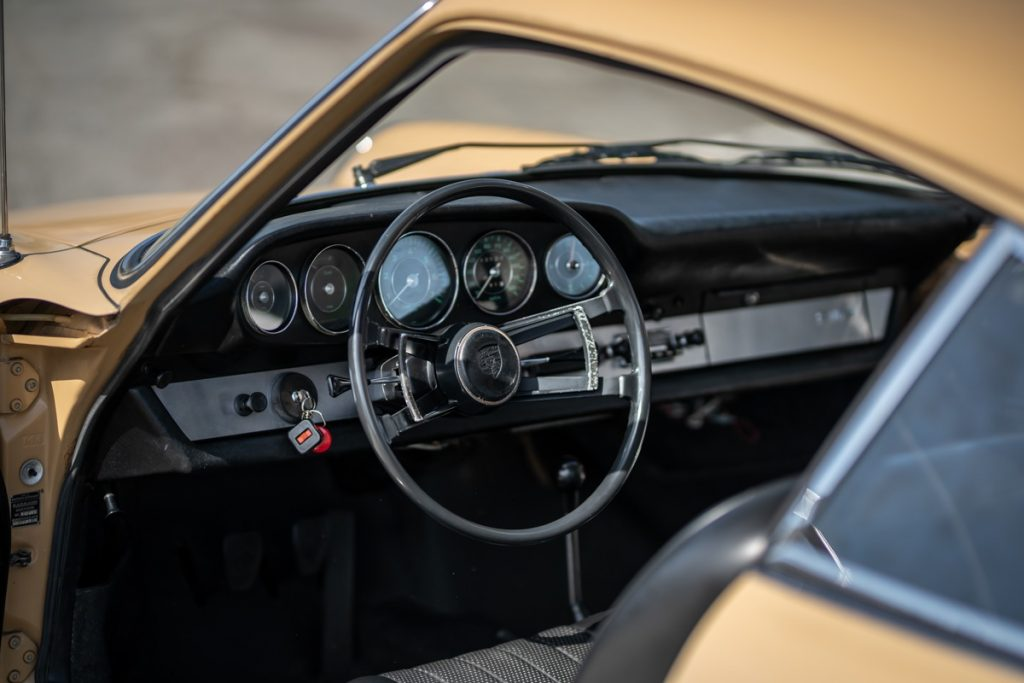 1967 Porsche 912 interior