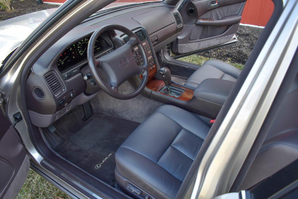 1994 Lexus LS400 interior
