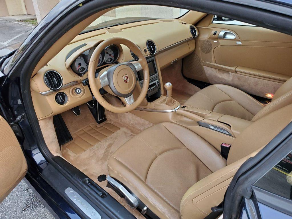 2008 Porsche Cayman S interior