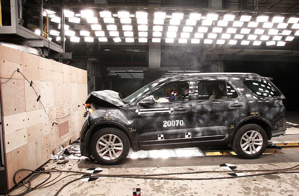 2014 Ford Explorer XLT crash test