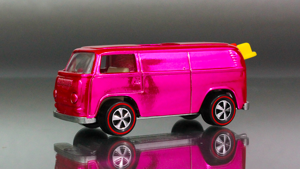 Hot Wheels Beach Bomb in Pink