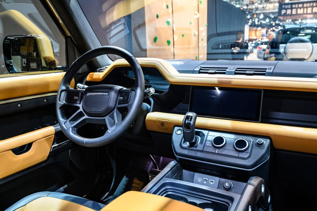 The 2020 Land Rover Defender's Unique Interior Makes It Cozier Than Competitors