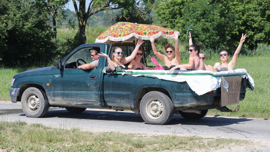 Summer Fun In Pickup Truck Bed Pools