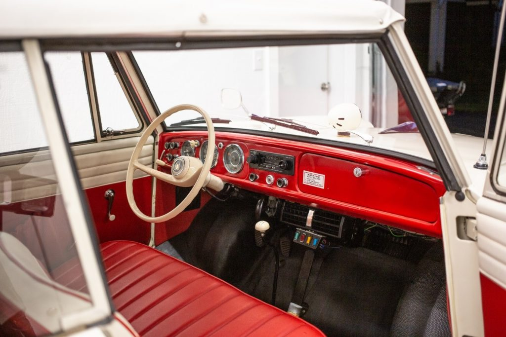 1964 Amphicar interior