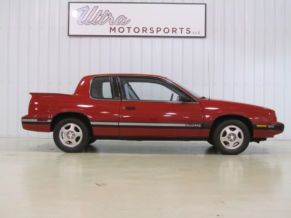 1991 Oldsmobile Cutlass Calais Quad 442 W41 side