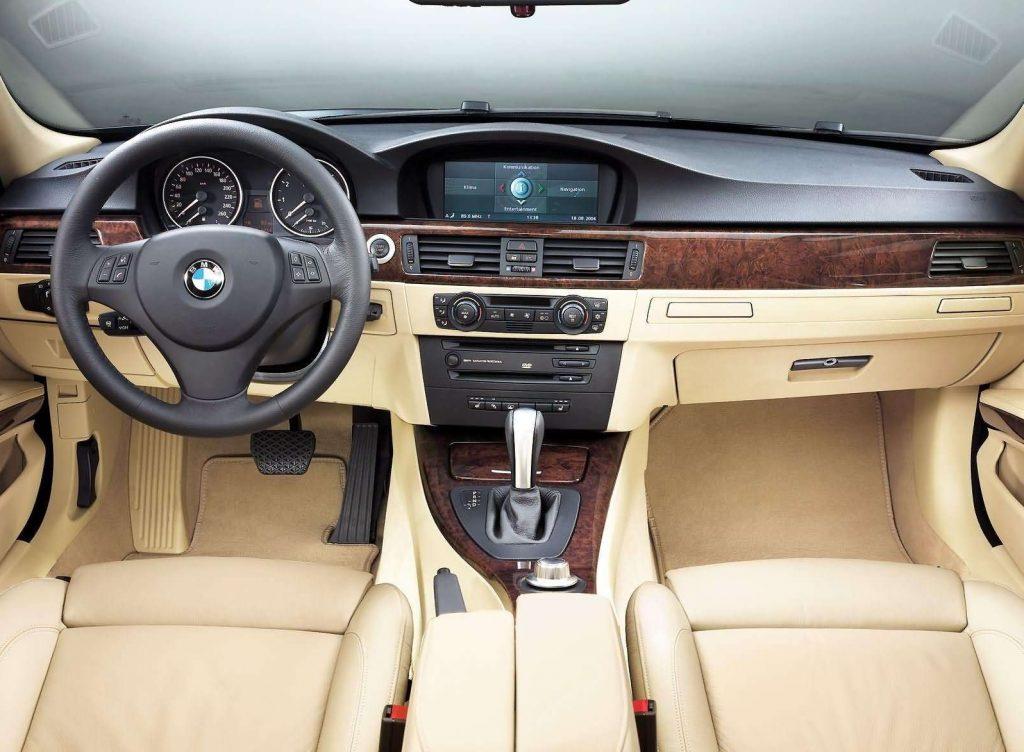 2006 BMW E90 330i interior