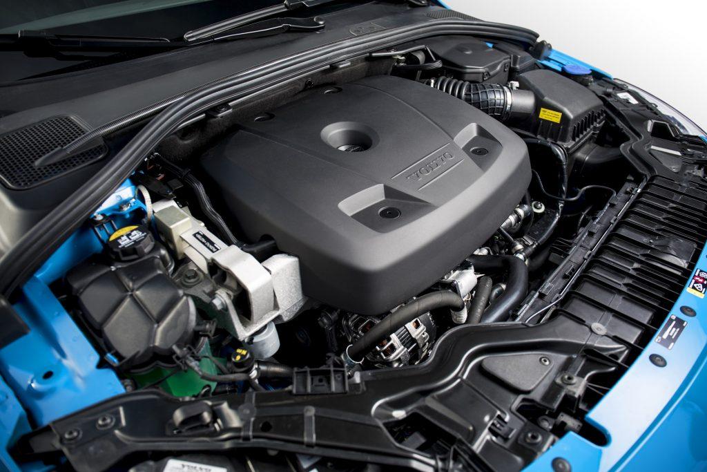 2017 Volvo V60 Polestar engine