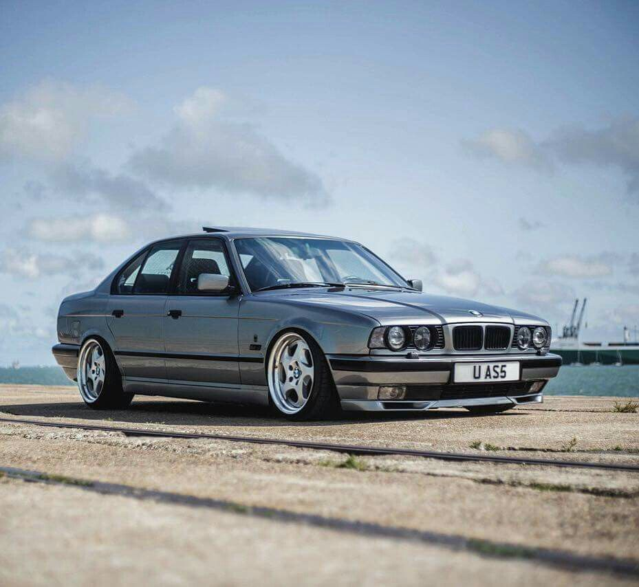 Gorgeous grey-colored E34 5-Series