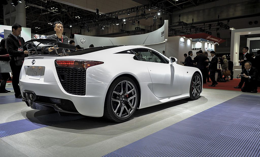 How The Forgotten Lexus LFA Compared To Other Supercars Of ...