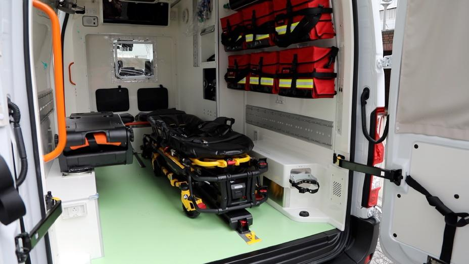 Nissan NV400 Electric Ambulance Interior