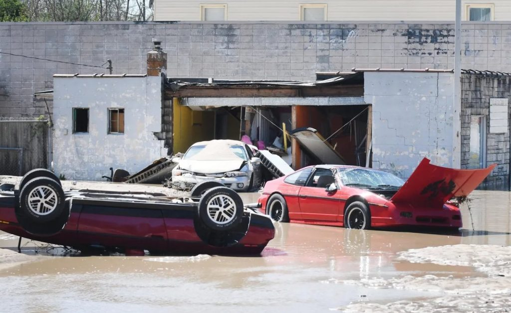 Pontiac Fieros under water in Michigan flood