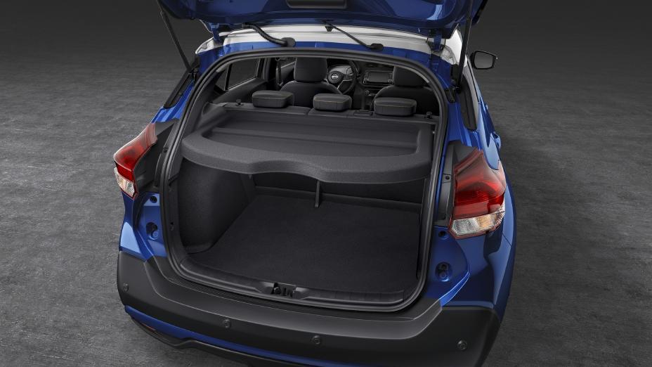 spacious rear cargo of the 2020 Nissan Kicks