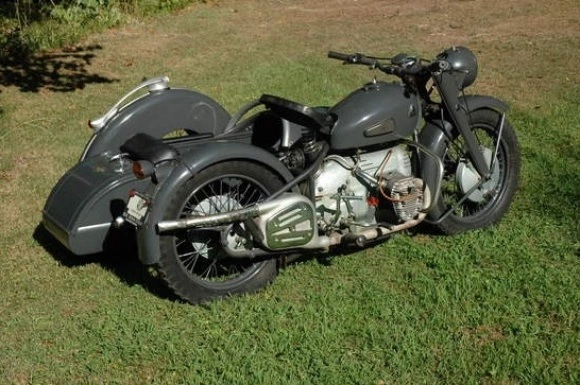 Gray 1949 Condor A580 with sidecar in a grassy field