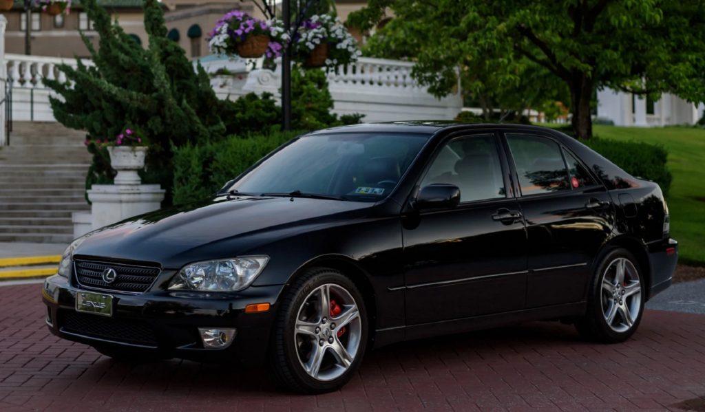 Black 2002 Lexus IS300 sedan