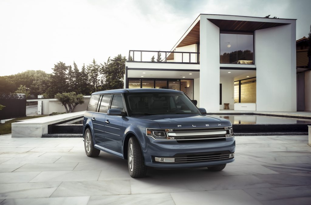 front three-quarter shot of ford flex