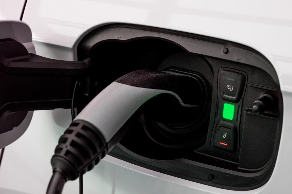 electric plug plugged into audi q5 plug in hybrid