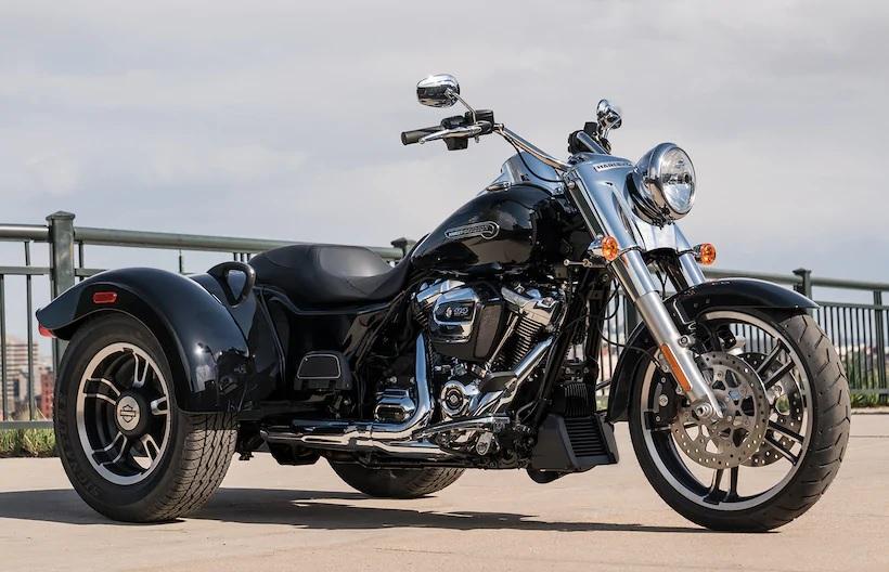 Black 3-wheeled 2020 Harley-Davidson Freewheeler