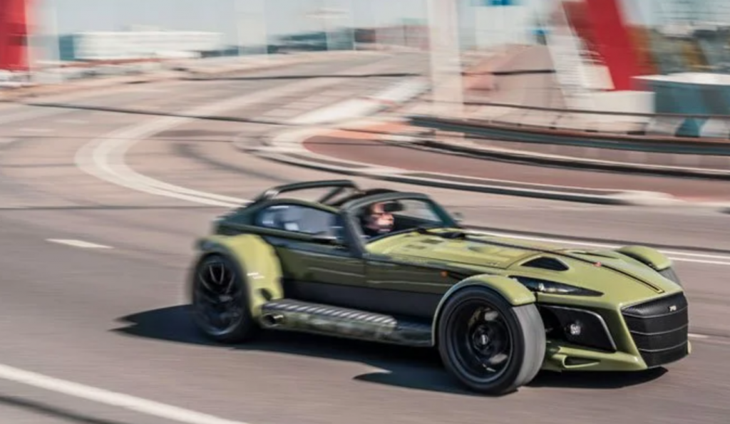 Donkervoort D8 GTO-JD70 on the track