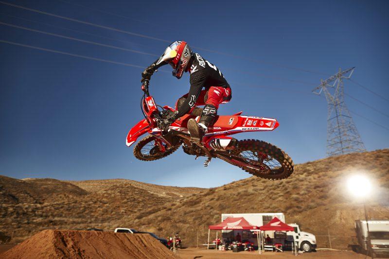 Ken Roczen on his honda dirt bike doing a motocross jump