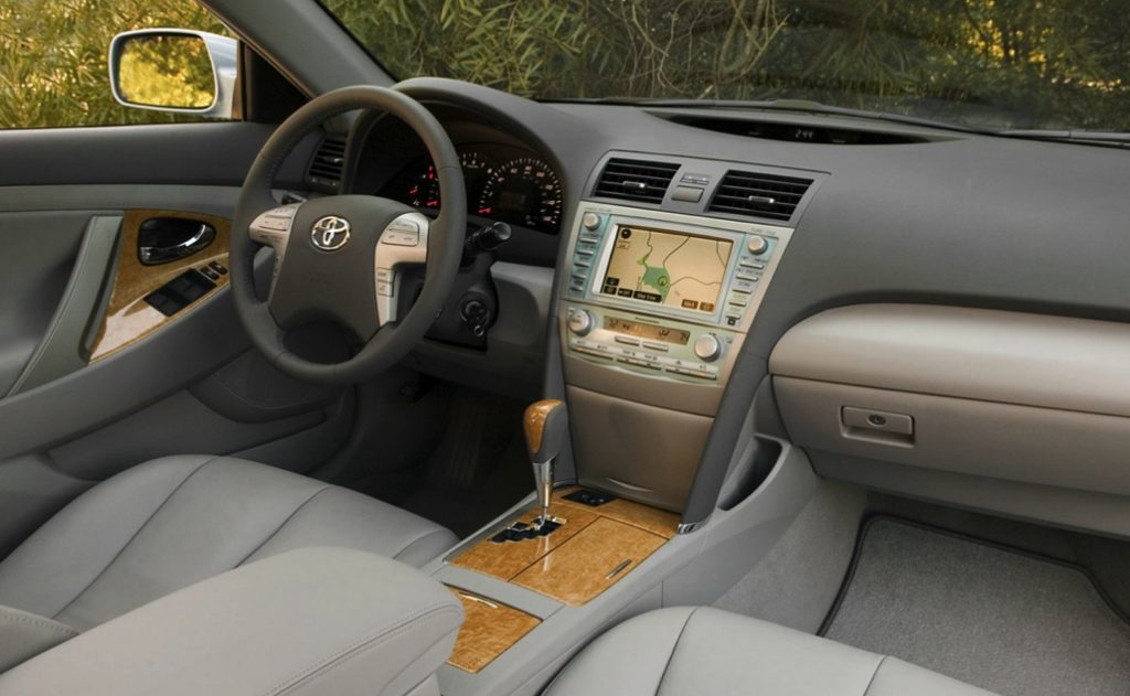 Still a great used car, the 2007 Camry XLE boasted a luxurious interior