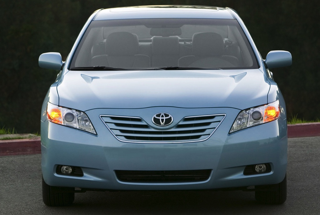a front view of a light blue 2007 Toyota Camry