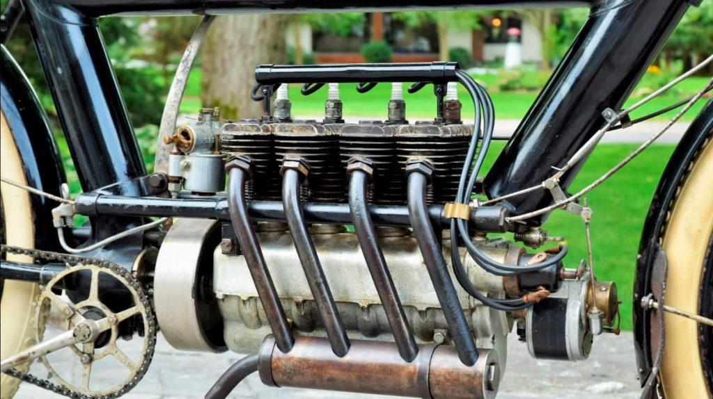 The 1911 Pierce-Arrow Four's engine