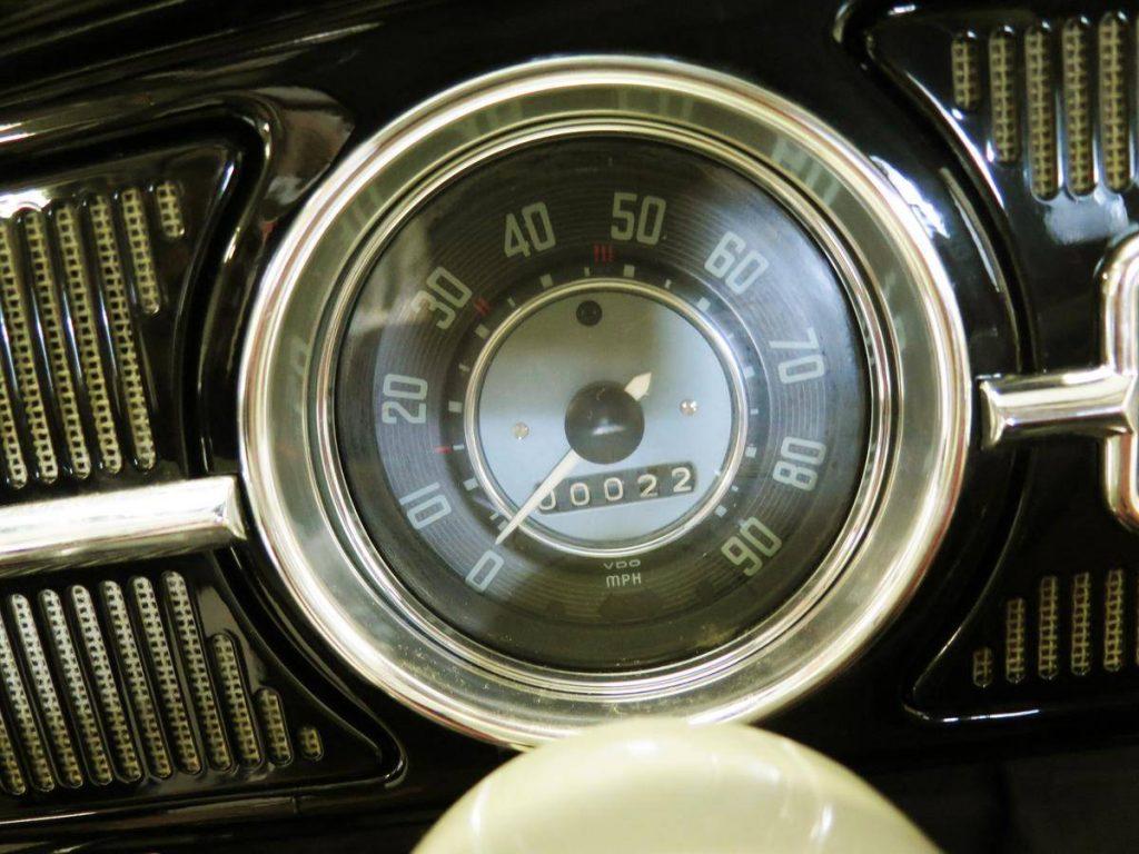 23-mile 1964 Volkswagen beetle in black speedometer