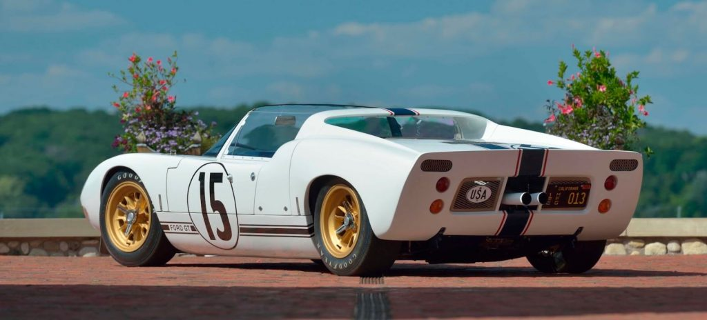 Looking at the rear quarter of the 1965 Ford GT Roadster