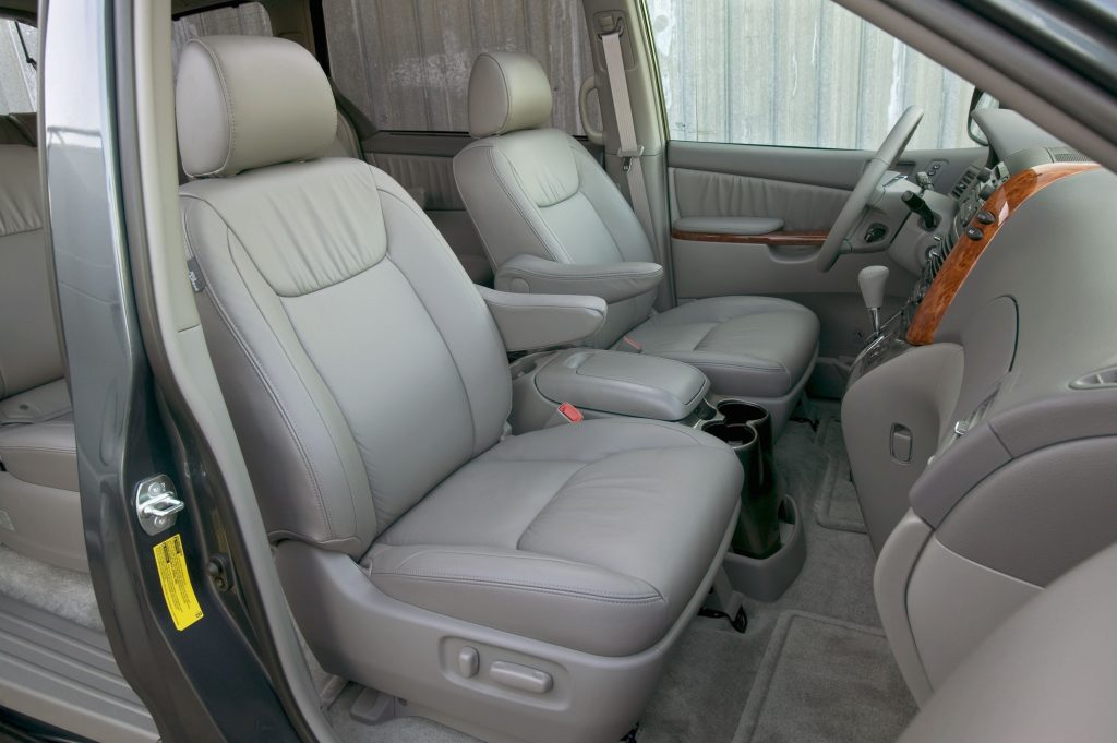 the leather interior of a 2009 Sienna minivan