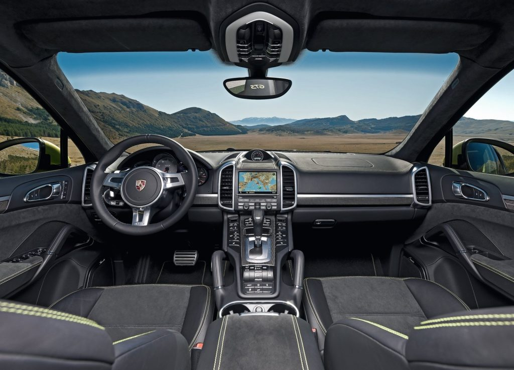 The green-trimmed interior of the 2013 Porsche Cayenne GTS