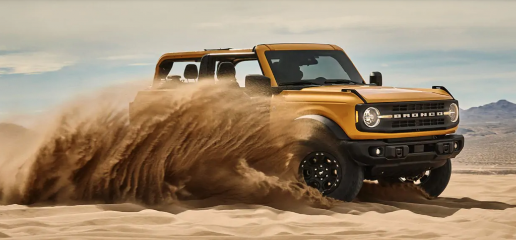 2021 Ford Bronco kicking sand in the desert