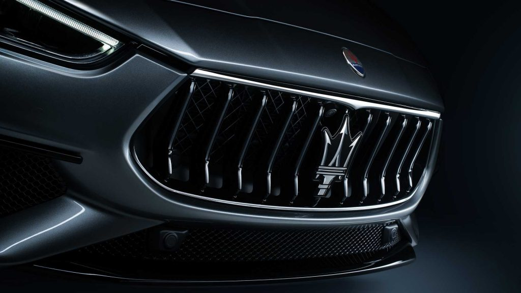 The front grill of the 2021 Ghibli Hybrid.
