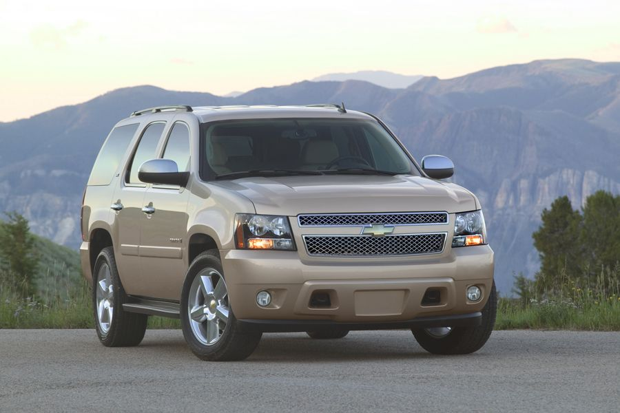 Chevy Tahoe 2010 used SUV front view