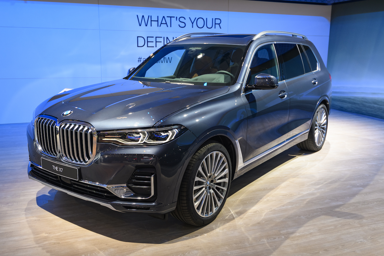 The 2020 Bmw X7 Is One Of The Best Full Size 3 Row Luxury Suvs