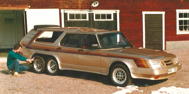 Aussie dual-wheel shooting brake in gold with 198-s graphics