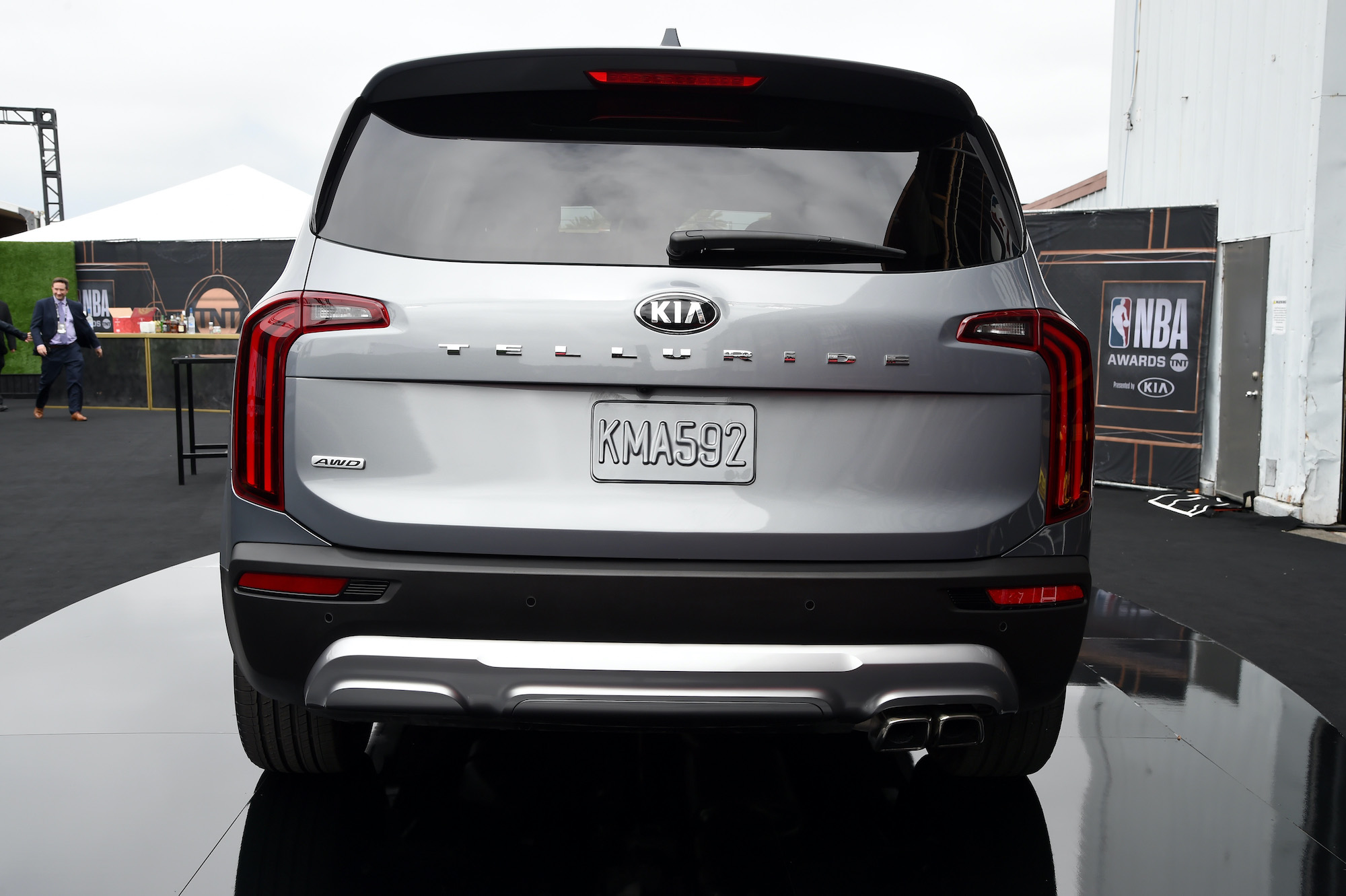 Replacing A 2020 Kia Telluride Windshield Is Unreasonably Expensive