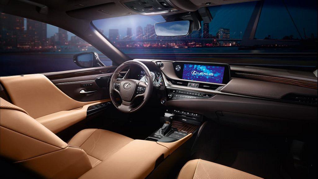 front seat area in lexus 300h