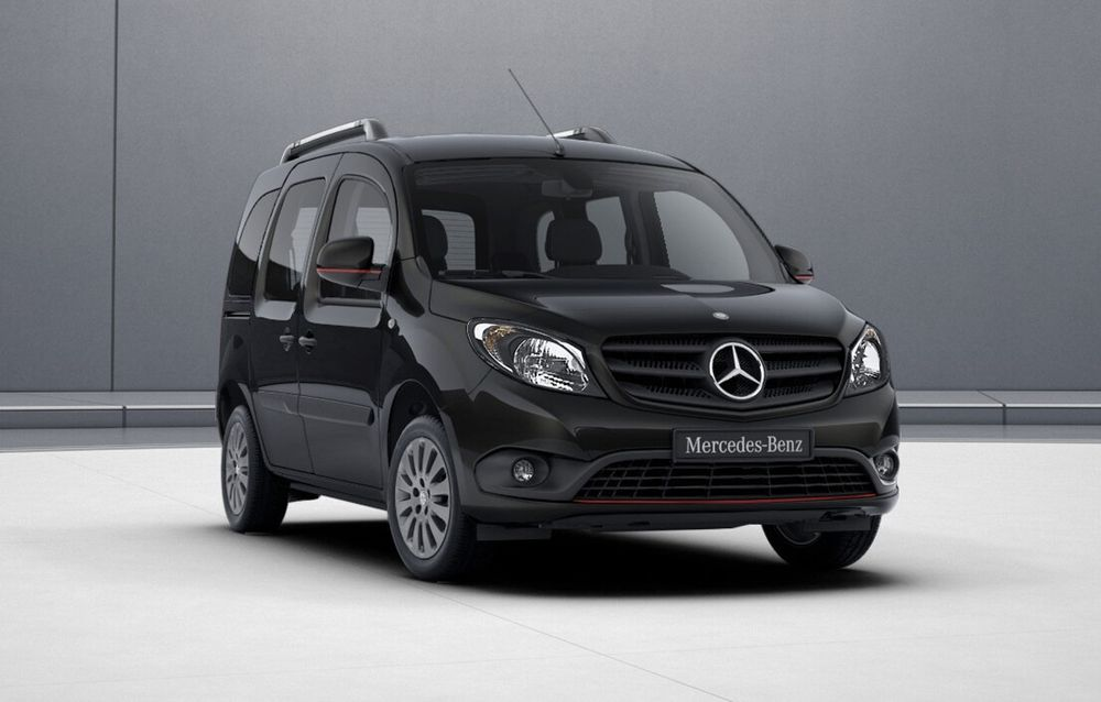 A view of the front of a black minivan from Mercedes, called the Citan.