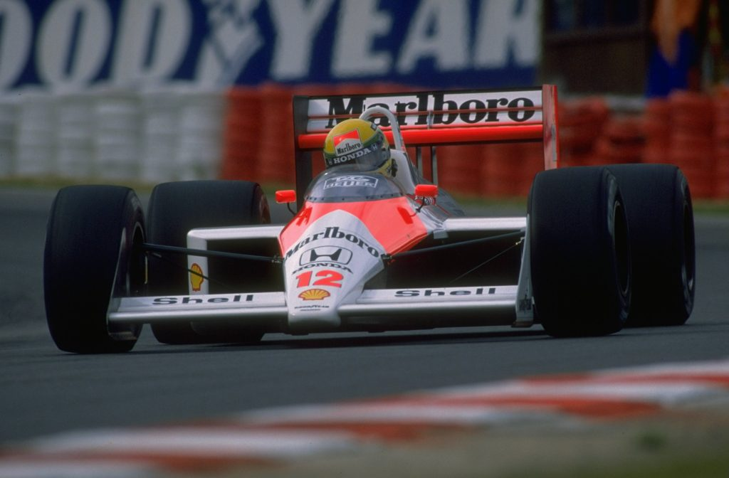 senna driving on track