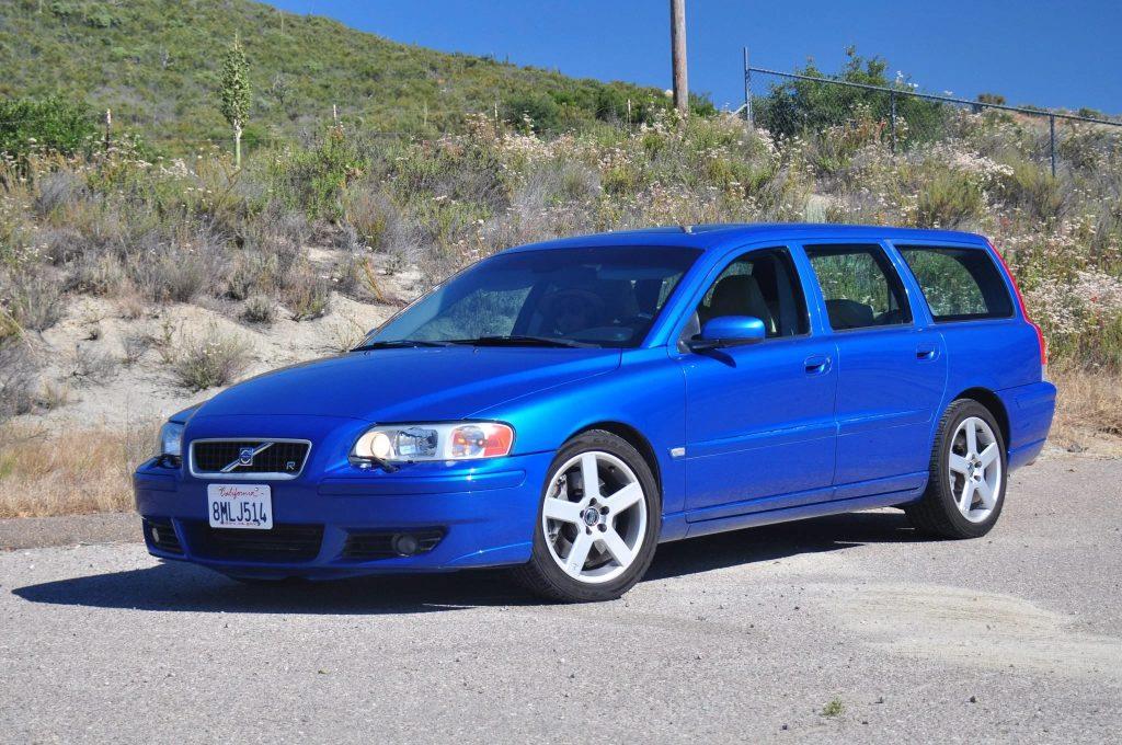 A blue 2006 Volvo V70R